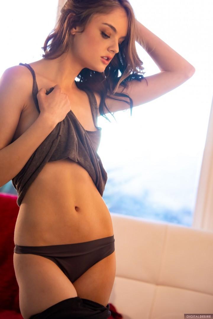 Lexie Fox displays supreme beauty